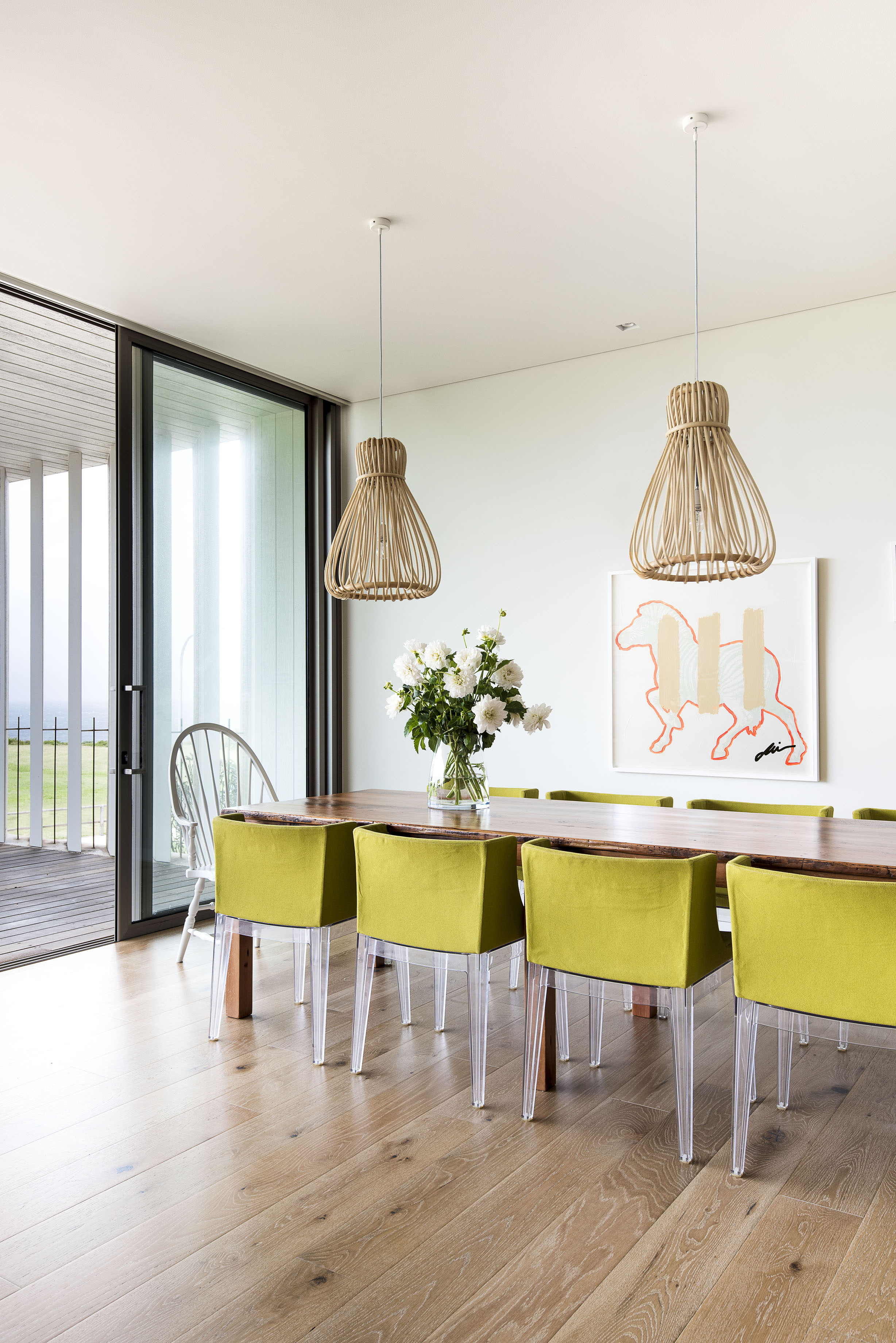Contemporary Seaside Home Dining Area