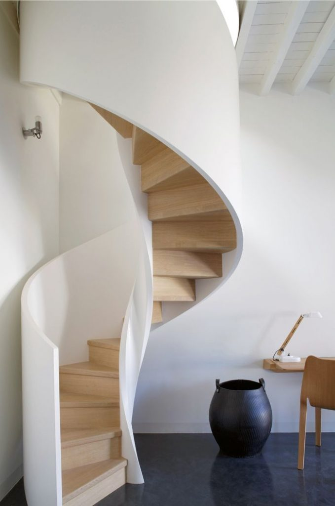 5 reasons to fall in love with a spiral staircase